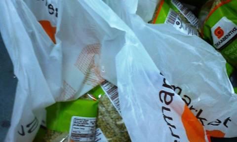 В Греции с 1 января пластиковые пакеты в супермаркетах стали платными