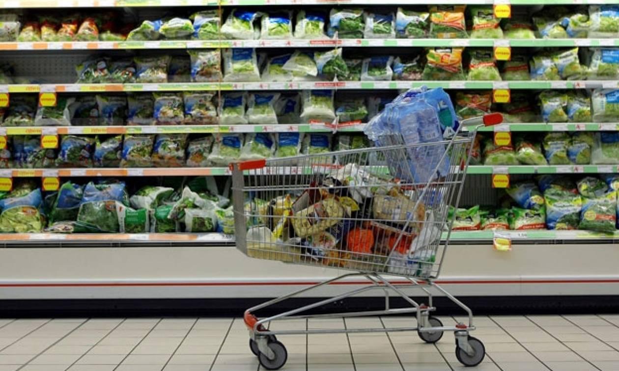 Και οι Ιταλοί από χθες πληρώνουν τις πλαστικές σακούλες στα σούπερ μάρκετ