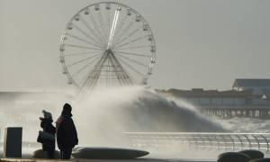 Κακοκαιρία σαρώνει την Ευρώπη - Εντυπωσιακές φωτογραφίες από τη μανία της φύσης