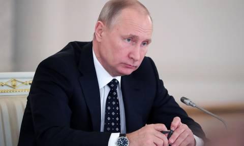 Путин подписал указ о возобновлении регулярных воздушных перевозок в Каир