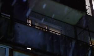 Φρικτό έγκλημα: Έκοψε το κεφάλι του φίλου του και το πέταξε από το παράθυρο (Pics)
