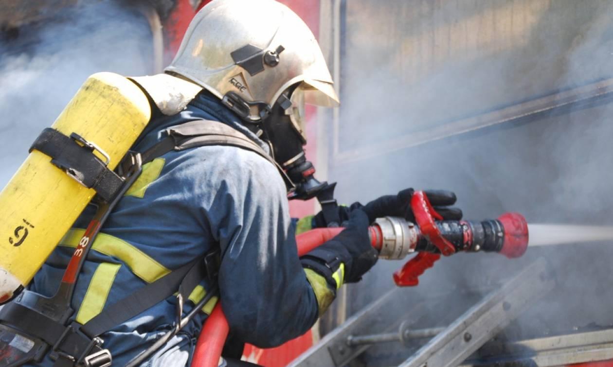 Συναγερμός για φωτιά σε σπίτι στην Αρτέμιδα
