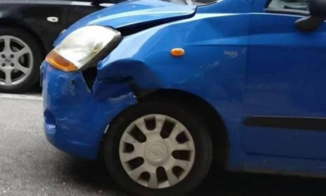 Σοκ στην Πάτρα – Λύθηκε το χειρόφρενο αυτοκινήτου ενώ επέβαιναν σε αυτό δύο παιδιά (pics)