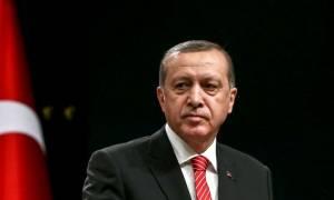 Ερντογάν: Θα συνεχιστούν οι μαζικές συλλήψεις για το πραξικόπημα