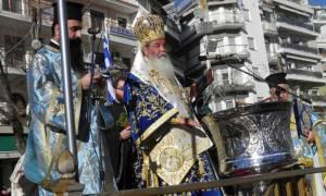 Θεοφάνεια 2018 – Κοζάνη: Δεκάδες πολίτες έπεσαν στα παγωμένα νερά λιμνών και ποταμιών για τον Σταυρό