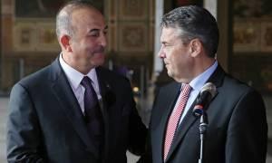 Τα «βρήκαν» Γερμανία και Τουρκία: Γκάμπριελ και Τσαβούσογλου «έδωσαν» τα χέρια