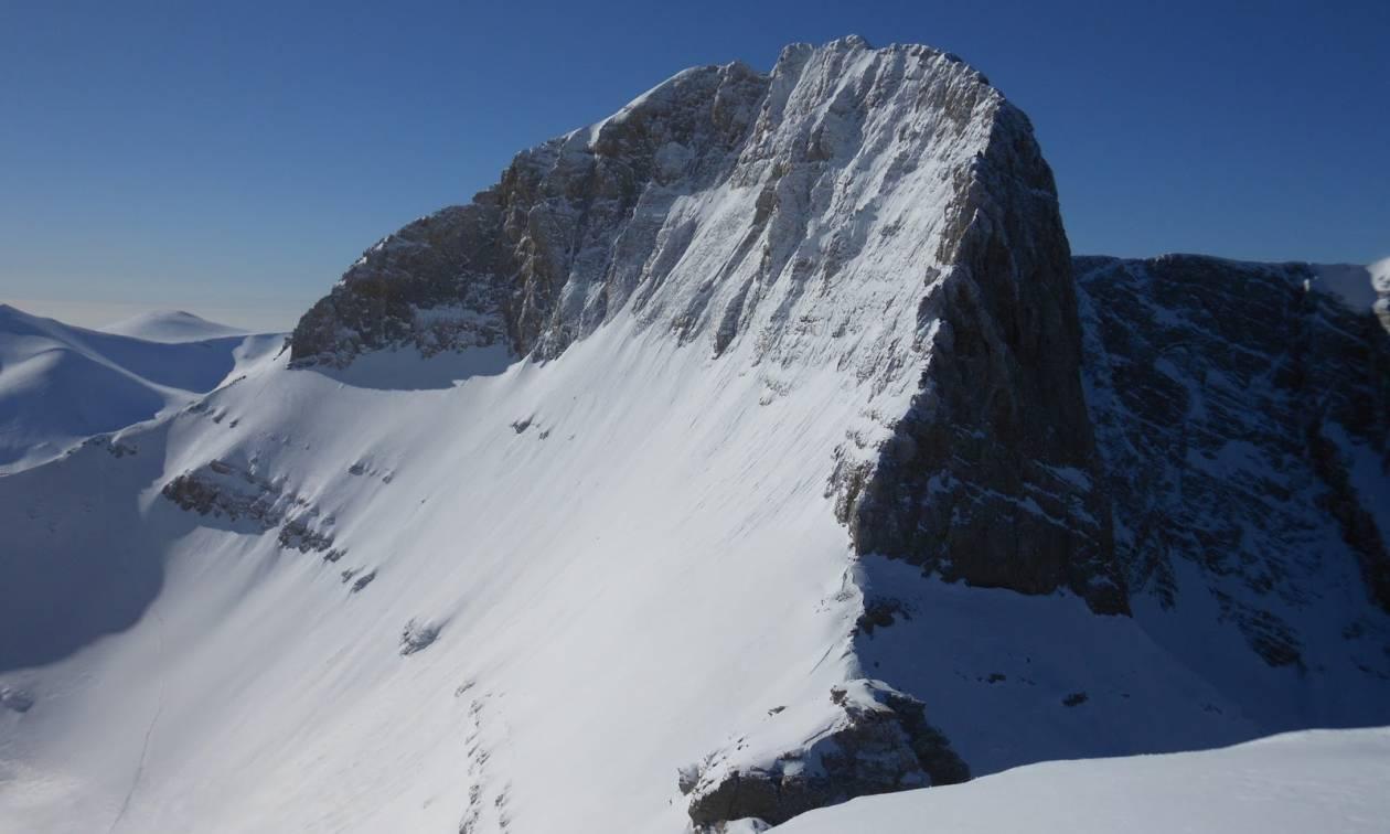 Αγωνία για την ορειβάτισσα στον Όλυμπο – Δεν κατάφερε να την προσεγγίσει το Super Puma