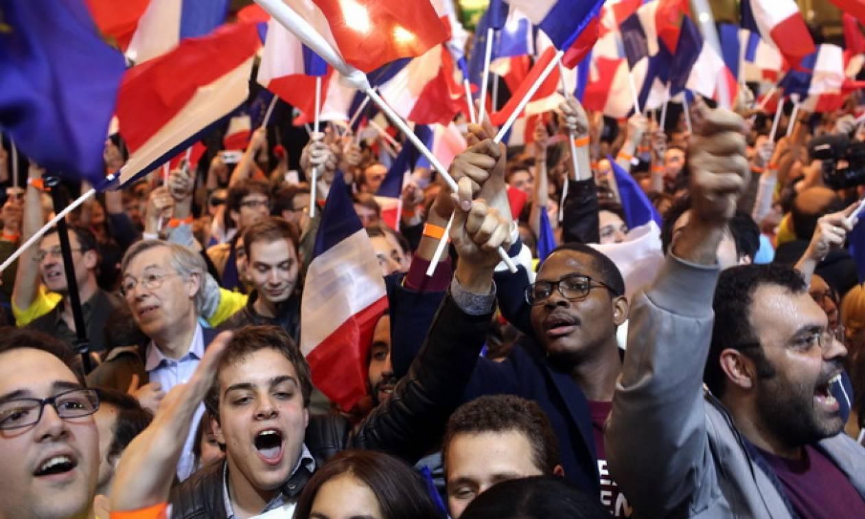 Το 79% των Γάλλων πιστεύει σε τουλάχιστον μία «θεωρία συνωμοσίας»