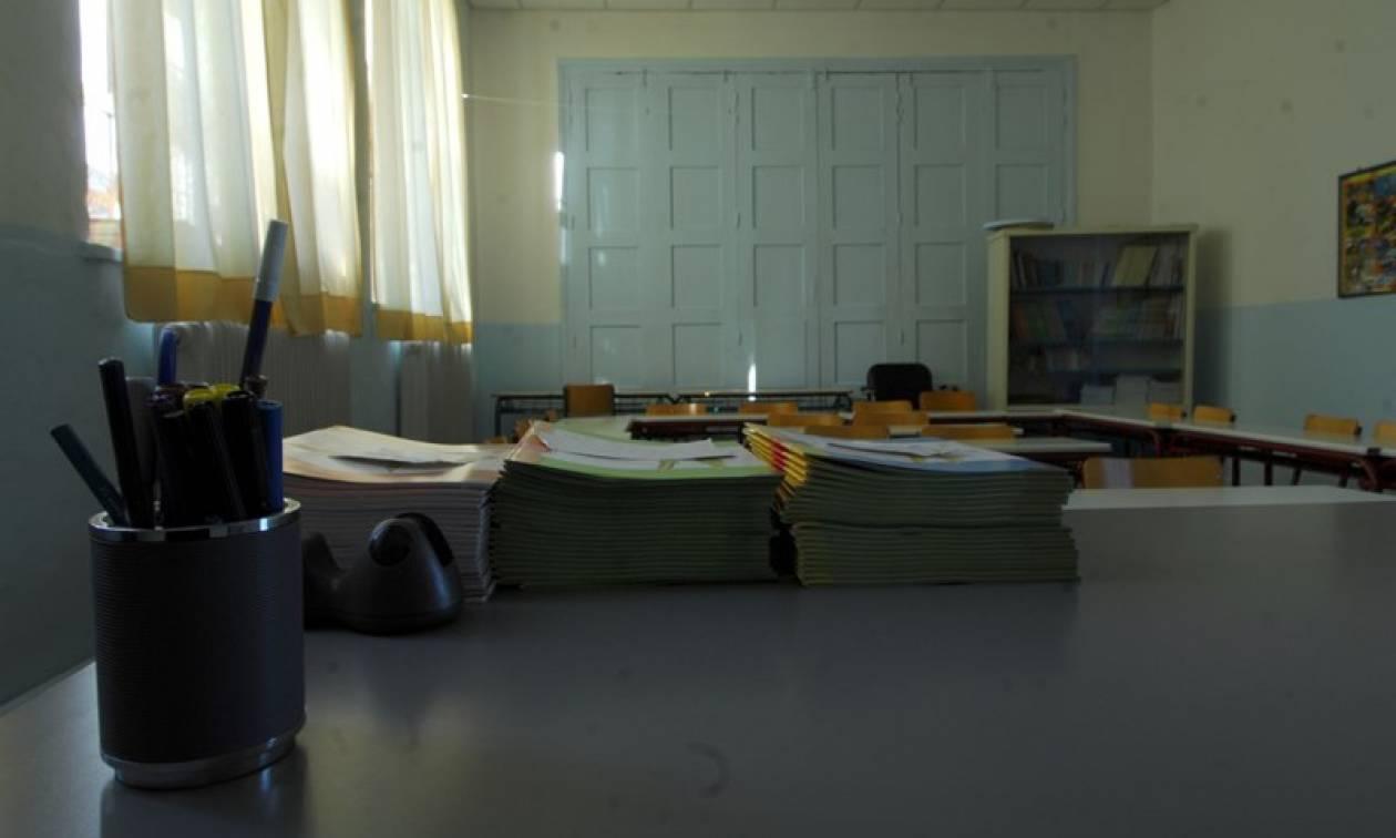 Παιδεία: Ανατροπή στο ωράριο δασκάλων και καθηγητών - Πόσες ώρες θα παραμένουν στο σχολείο