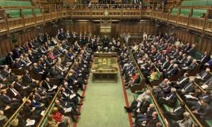Εκατόν εξήντα φορές τη μέρα προσπαθούν να δουν πορνό στη βρετανική Βουλή