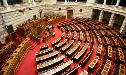 Πάει στη Βουλή το πολυνομοσχέδιο - «μαμούθ» με 50 προαπαιτούμενα