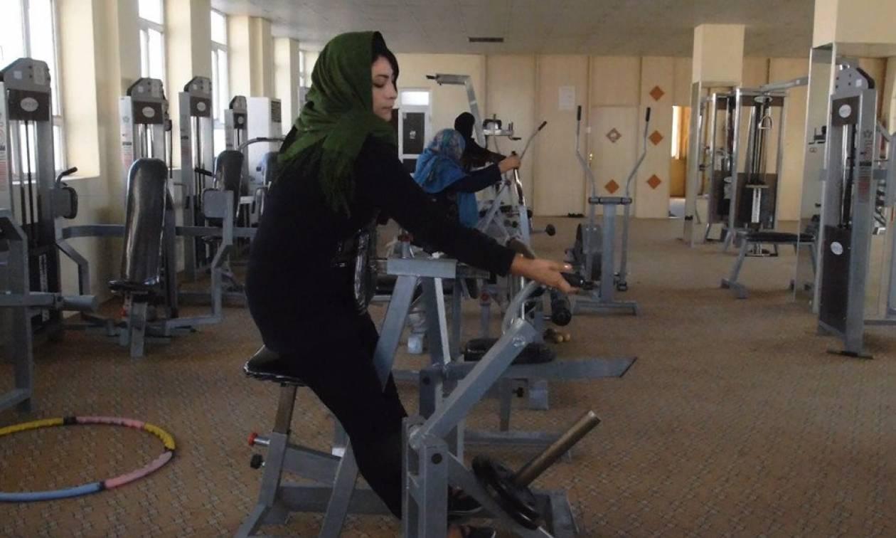 «Παράτολμη» κίνηση στο Αφγανιστάν: Γυναίκα ανοίγει το πρώτο γυμναστήριο στη Χεράτ