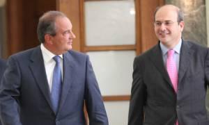 Χατζηδάκης: Περσινά ξινά σταφύλια η κριτική στον Κώστα Καραμανλή περί δημοσιονομικού εκτροχιασμού