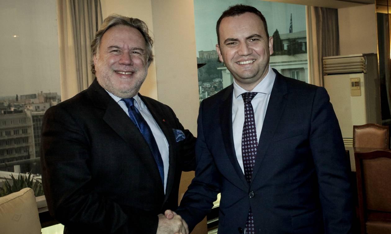Τετ-α-τετ Κατρούγκαλου με τον Σκοπιανό αναπληρωτή πρωθυπουργό Οσμάνι (pics)
