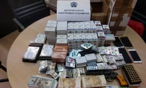 Η ΕΛ.ΑΣ. «κατέβασε» 16 ιστοσελίδες που διακινούσαν παράνομα φάρμακα