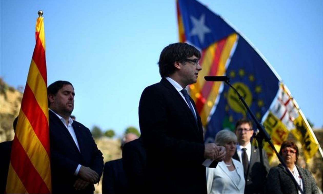 Νέος «πονοκέφαλος» για τον Ραχόι: Θέλουν τον Πουτζντεμόν ξανά Πρόεδρο της Καταλονίας