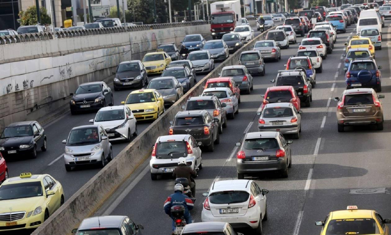 Η Τροχαία ζητά πληροφορίες για τον οδηγό που προκάλεσε κυκλοφοριακό χάος στον Κηφισό