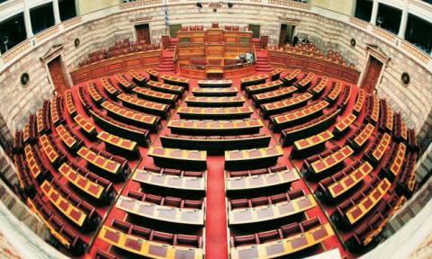 Βουλή LIVE: Η συζήτηση του πολυνομοσχεδίου στις Επιτροπές