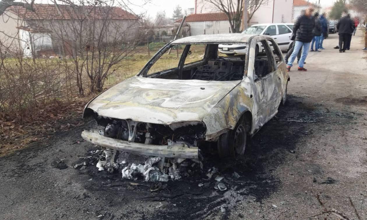 Κοζάνη: Αναστάτωση από πυρκαγιά σε αυτοκίνητο στην Ξηρολίμνη (pics)