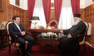 Τσίπρας σε Ιερώνυμο: Επίλυση του Σκοπιανού με εθνική ομοψυχία