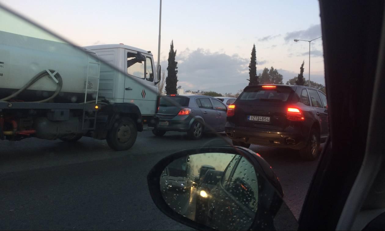 Απεργία ΜΜΜ: Κυκλοφοριακό χάος στους δρόμους της Αθήνας (pics)