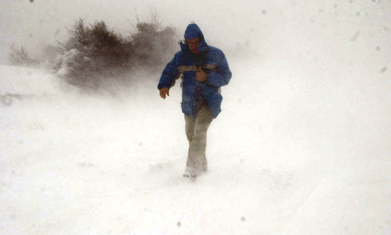 Καιρός: Πάνω από την Ελλάδα ο «Θησέας» – Βροχές, καταιγίδες και χιόνια σε όλη τη χώρα