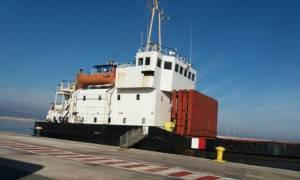Ηράκλειο: Απομακρύνονται από το λιμάνι τα εκρηκτικά που μετέφερε το πλοίο - βόμβα