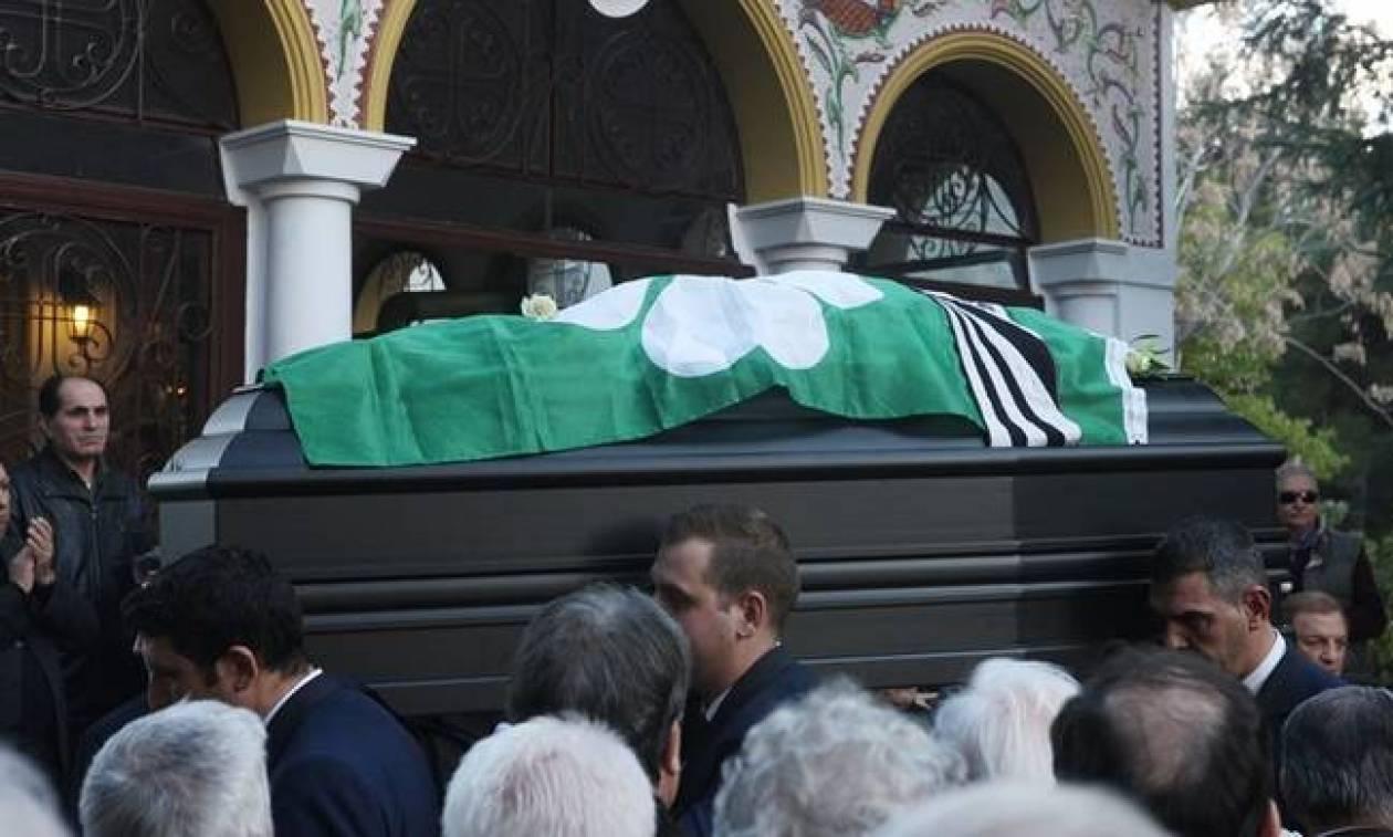 Συγκίνηση στο τελευταίο «αντίο» στον Λουκανίδη (photos)