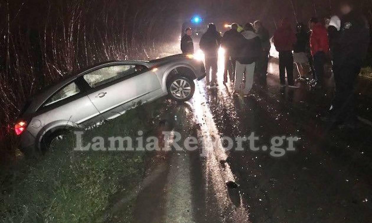 Λαμία: Πέρασε στο αντίθετο ρεύμα και προκάλεσε σοβαρό τροχαίο - 4 τραυματίες (pics)