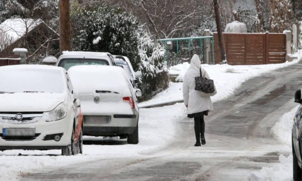 Ο καιρός το Σαββατοκύριακο: Καταιγίδες, χιόνια και κρύο - Αναλυτική πρόγνωση