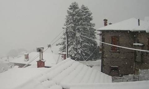 Καιρός Χιονιάς σαρώνει τη βόρεια Ελλάδα - Προσοχή Έρχονται και στην Αττική έντονα φαινόμενα