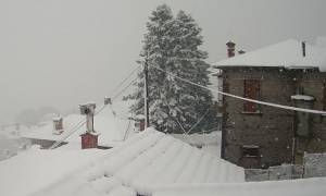 Έκτακτο δελτίο καιρού: Χιόνια και στην Αττική φέρνει ο «Θησέας» - Πού θα χτυπήσουν έντονα φαινόμενα