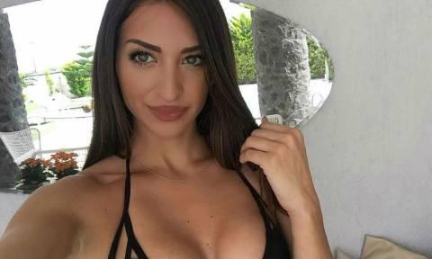 Αυτή είναι η πιο σέξι Ελληνίδα αεροσυνοδός! (pics)