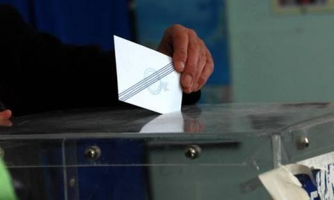 Δημοσκόπηση: Προβάδισμα της ΝΔ έναντι του ΣΥΡΙΖΑ