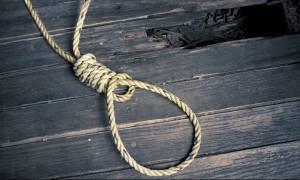 Τραγωδία στην Πάτρα: Βρήκαν το γιο τους κρεμασμένο μέσα στο σπίτι του