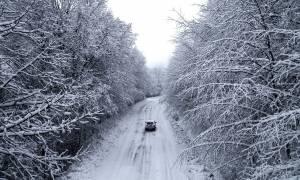 Καιρός: Συνεχίζεται η επέλαση του «Θησέα» - Χιόνια, κατολισθήσεις και πολλά προβλήματα