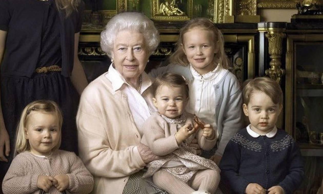 Η εντυπωσιακή ομοιότητα της βασίλισσας Ελισάβετ με την πριγκίπισσα Charlotte