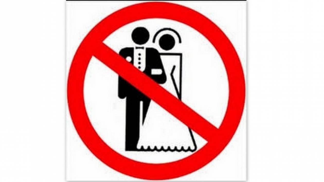 Έλληνας ηθοποιός δεν παντρεύεται την έγκυο σύντροφό του και δηλώνει: «Έχουμε καιρό για τον γάμο»!
