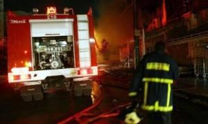 Φωτιά σε κτήριο στο λιμάνι της Θεσσαλονίκης