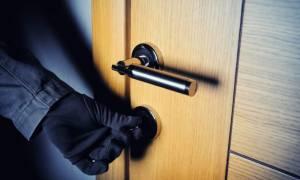 Αποκάλυψη: Έτσι «χτυπούσαν» νεαροί σε σπίτια ηλικιωμένων