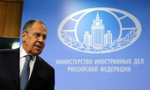 Λαβρόφ: Η Ελλάδα δεν έχει λόγο να υποχωρήσει στο θέμα της ονομασίας των Σκοπίων