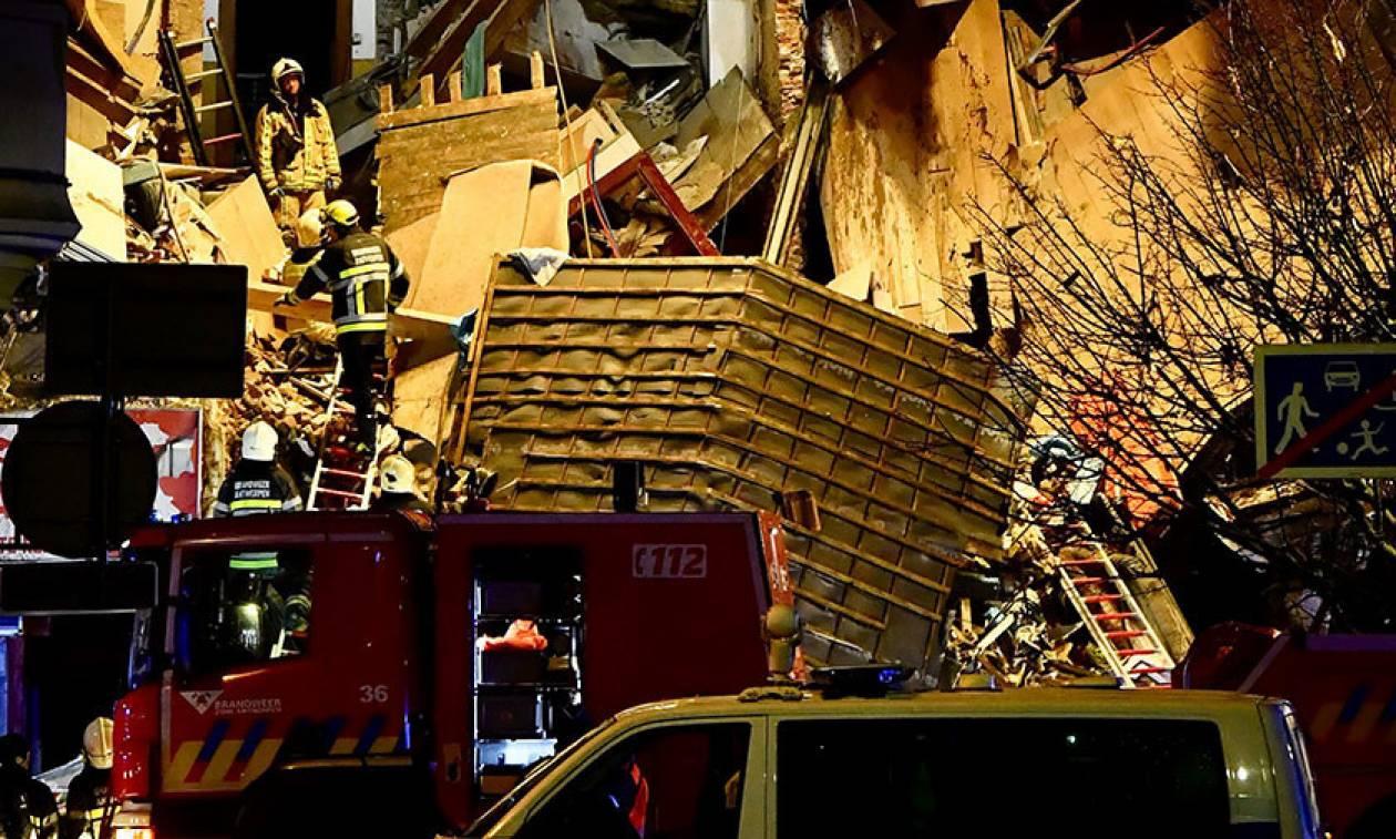 Βέλγιο: Ισχυρή έκρηξη στην Αμβέρσα – Κατέρρευσε πολυκατοικία (Pics+Vids)