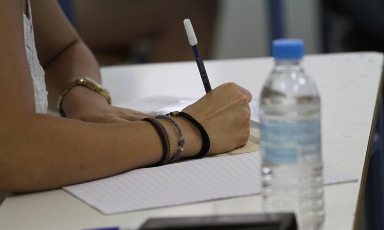 Πανελλήνιες: Πότε θα αρχίσουν - Ποιες αλλαγές θα φέρουν τα πάνω - κάτω στις εξετάσεις