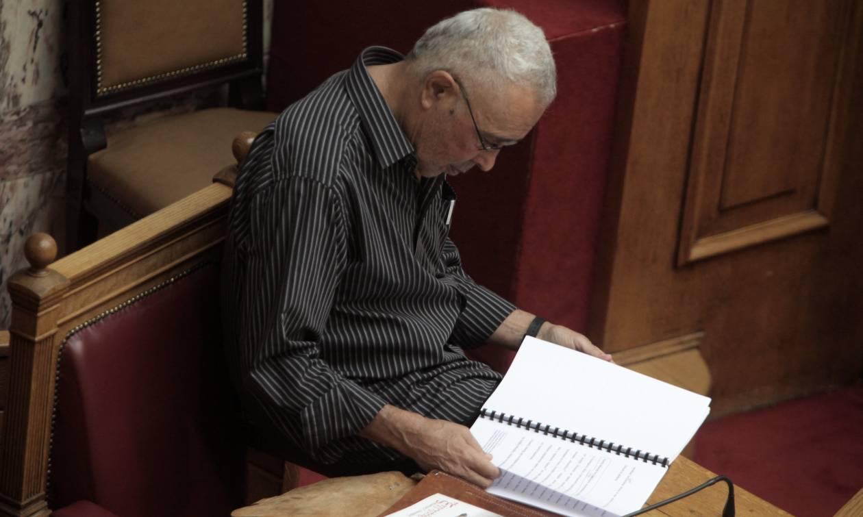 Αποδεκτή έκανε την παραίτηση Ζουράρι ο Αλέξης Τσίπρας