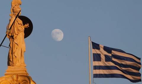 Wall Street Journal: Σε απόσταση «βολής» η Ελλάδα για έξοδο από τα μνημόνια