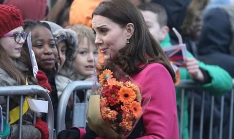 Aποκάλυψε  το φύλο του μωρού; Η... γεμάτη μυστήριο εμφάνιση της Kate Middleton