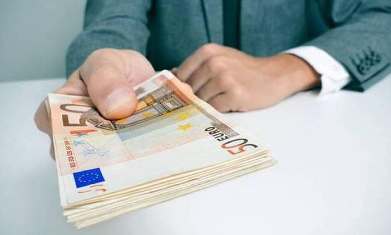 «Βόμβα»: Έρχεται χαράτσι με επιπλέον φόρο για όλους – Ποιοι χάνουν ως και 650 ευρώ
