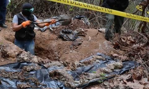 Φρίκη στο Μεξικό: Δεκάδες πτώματα εντοπίστηκαν σε ομαδικούς τάφους