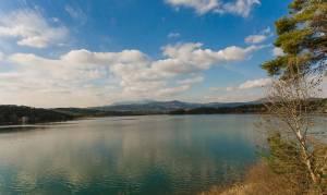 Σεισμός Αθήνα: Το μυστικό που κρύβεται κάτω από τη λίμνη του Μαραθώνα