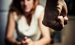 Σοκ σε σχολείο: 19χρονος έσερνε από τα μαλλιά 16χρονη εγκυμονούσα μαθήτρια
